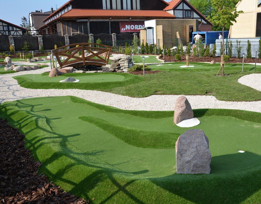 Tor 2 na polu do minigolfa w Adventure Golf Park w Łebie