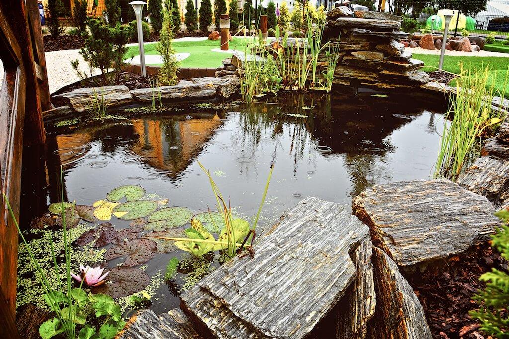 oczko wodne w Adventure Golf Park w Łebie